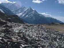 Vertederos (2) El Everest y el espacio como vertederos